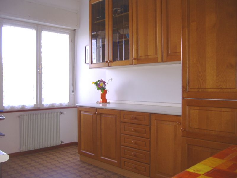 Separate kitchen Location Apartment 41261