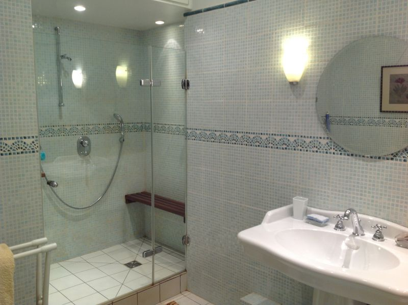 Half bath Location Apartment 4136 Font Romeu