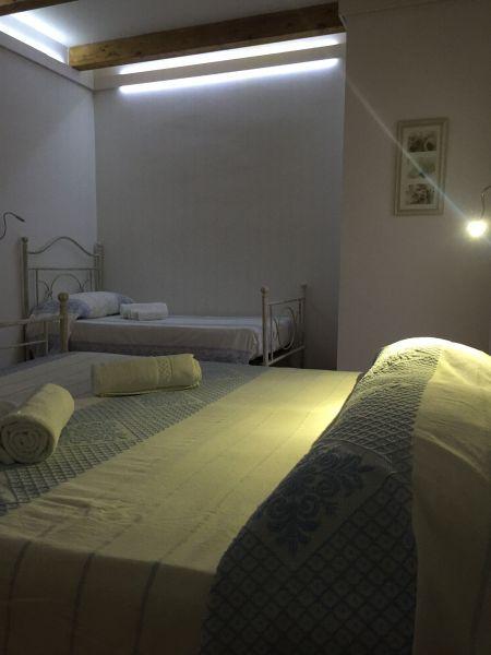 bedroom 2 Location Villa 44032 Stintino