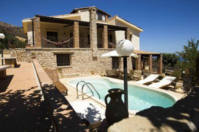 View of the property from outside Location Apartment 44240 Scopello
