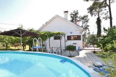 Swimming pool Location House 47227 Lisbon