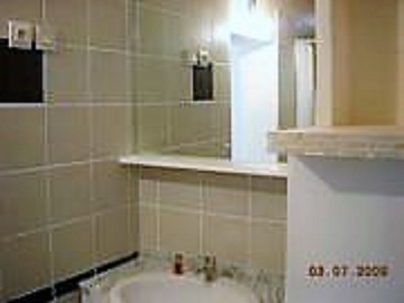 Half bath Location House 48095 Cassis