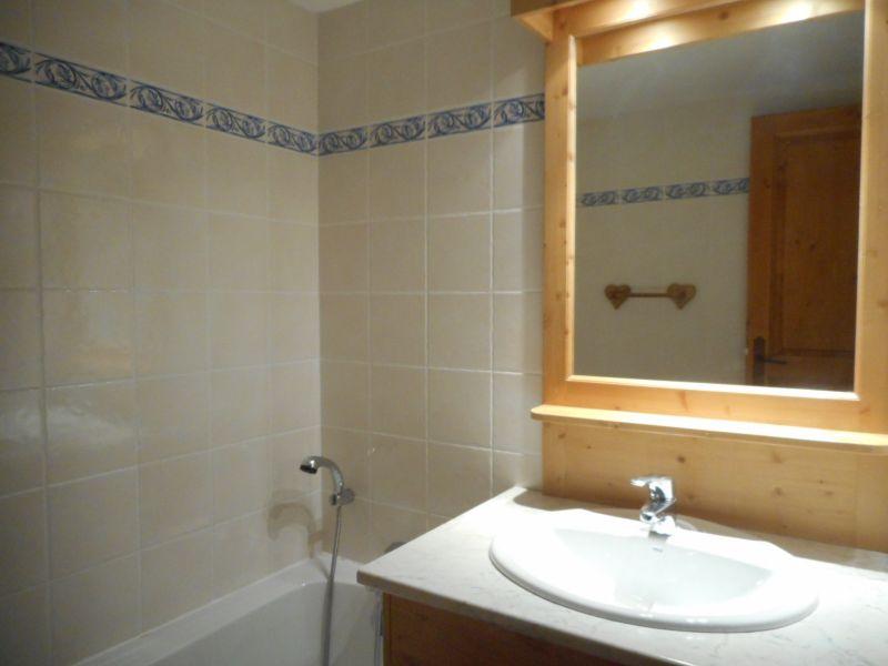 bathroom Location Apartment 4841 Oz en Oisans