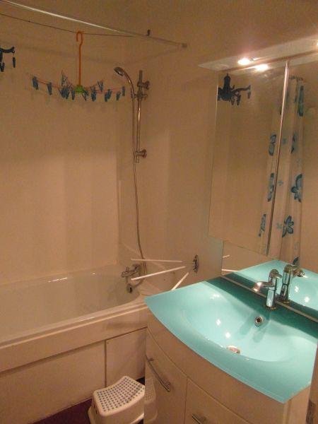 Half bath Location Apartment 48873 Piau Engaly