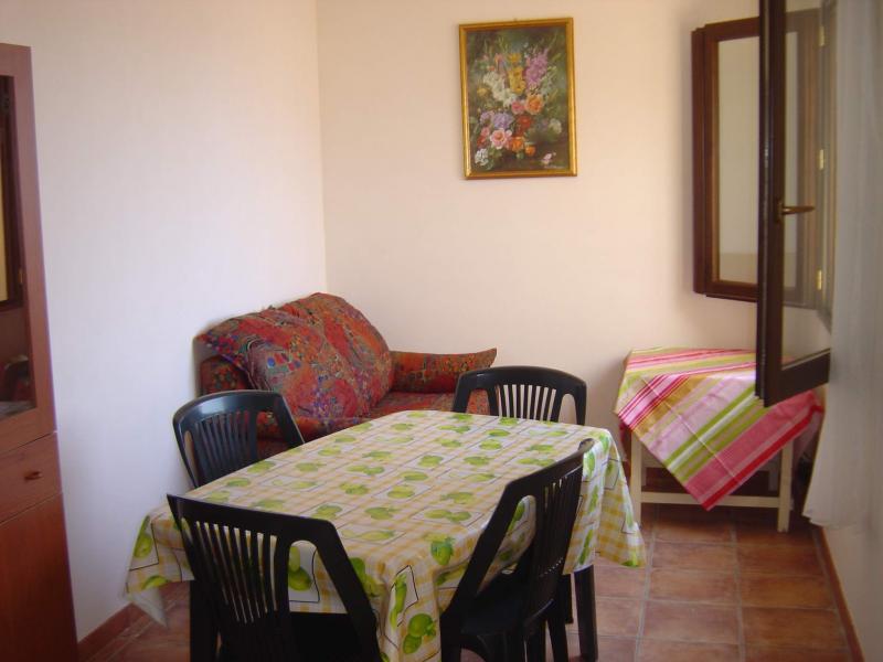 Location House 49021 Tre Fontane