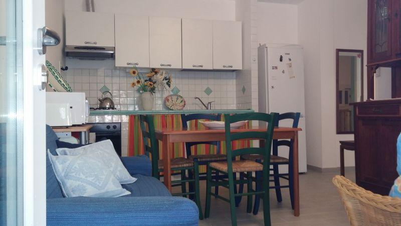 Open-plan kitchen Location Apartment 50303 Stintino