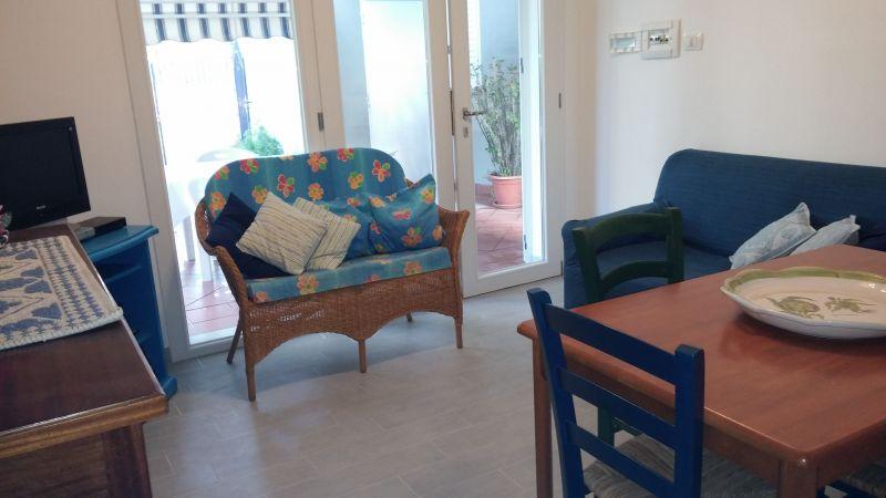 Hall Location Apartment 50303 Stintino