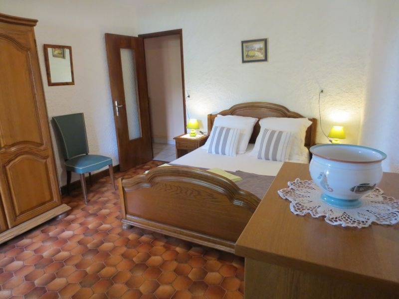 bedroom 1 Location Vacation rental 51135 Saint-Cirq-Lapopie