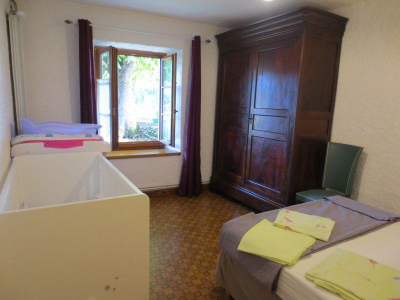 bedroom 2 Location Vacation rental 51135 Saint-Cirq-Lapopie