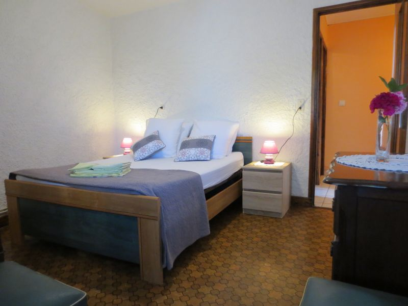 bedroom 3 Location Vacation rental 51135 Saint-Cirq-Lapopie