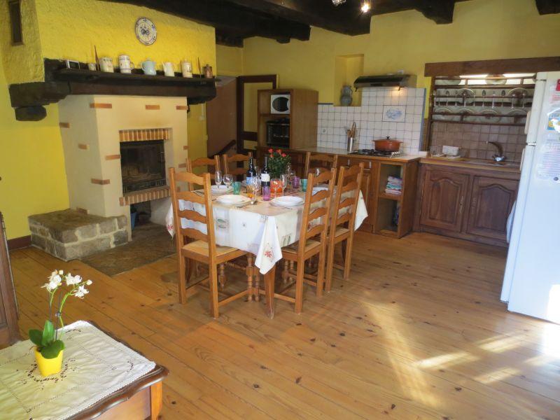 Separate kitchen Location Vacation rental 51135 Saint-Cirq-Lapopie