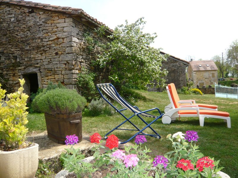 Garden Location Vacation rental 51135 Saint-Cirq-Lapopie