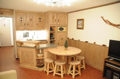 Open-plan kitchen Location Apartment 52 Alpe d'Huez