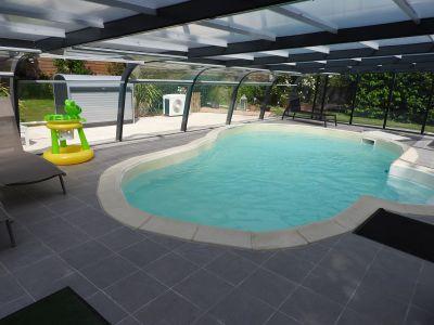 Swimming pool Location Vacation rental 52600 Nantes
