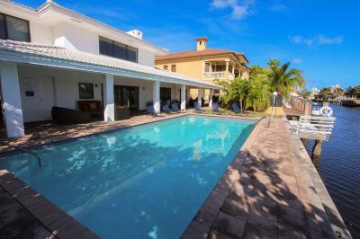 Swimming pool Location Villa 5332 Miami Beach