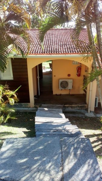 Hall Location One-room apartment 54186 Sainte Anne (Martinique)