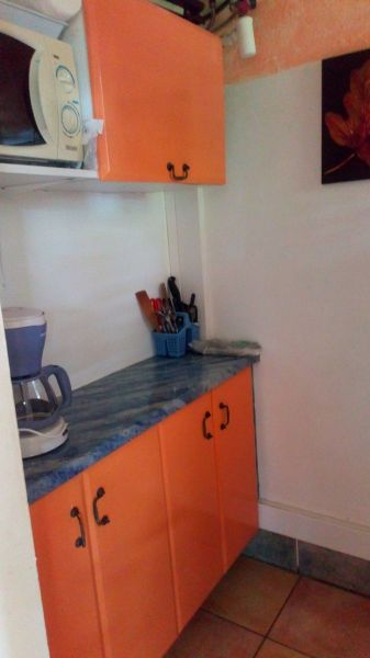 Separate kitchen Location One-room apartment 54186 Sainte Anne (Martinique)