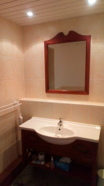 Half bath Location One-room apartment 54186 Sainte Anne (Martinique)