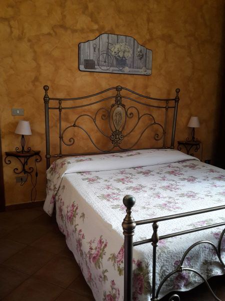 bedroom 1 Location Villa 54358 Capo d'Orlando