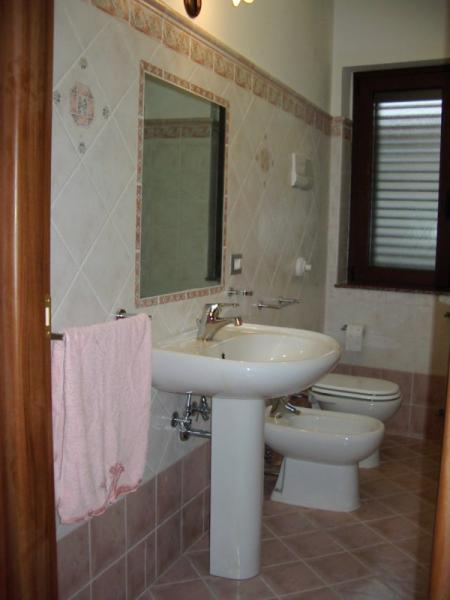 bathroom Location Villa 54358 Capo d'Orlando