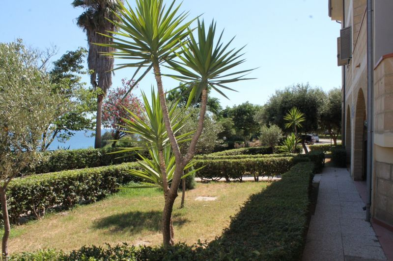 View of the property from outside Location Apartment 54877 Isola di Capo Rizzuto