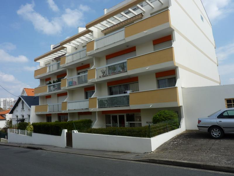 View of the property from outside Location Apartment 55283 Royan