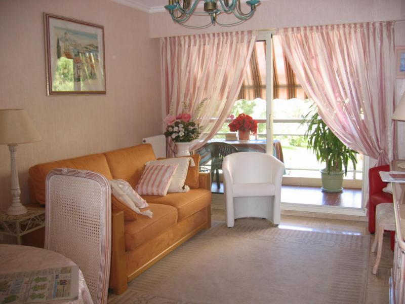 Living room Location Apartment 5623 Saint Raphael