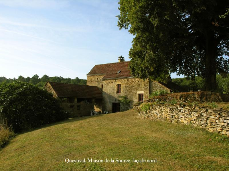 View of the property from outside Location House 59161 Sarlat