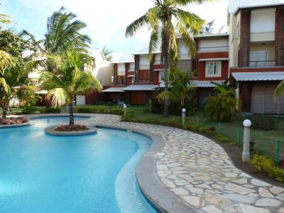 Swimming pool Location One-room apartment 59750 P�reyb�re