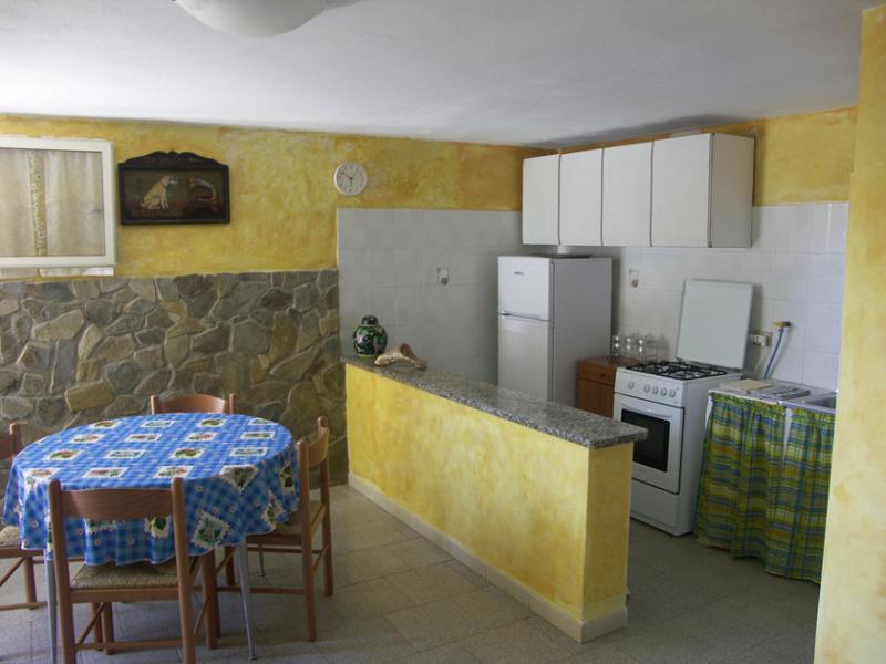 Open-plan kitchen Location Apartment 60610 Stintino