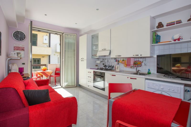 Open-plan kitchen Location Apartment 61098 Avola