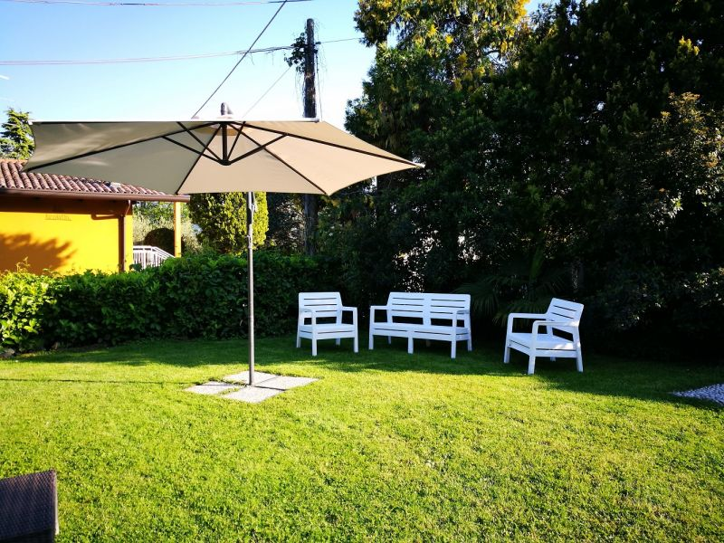 Garden Location Villa 61113 Garda