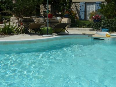 Hall Location Vacation rental 61577 Martigues