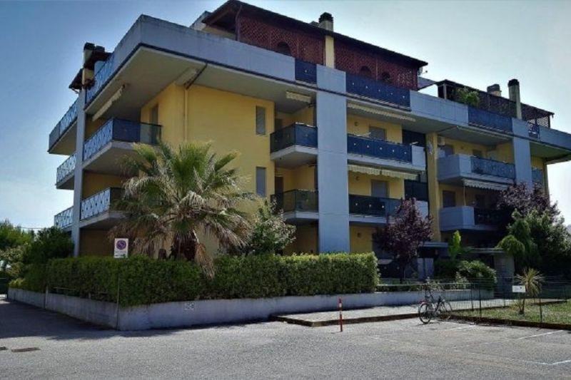 Location Apartment 61621 Alba Adriatica