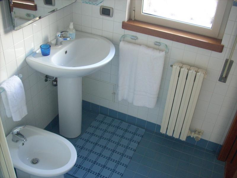 bathroom 2 Location Apartment 61861 Polignano a Mare