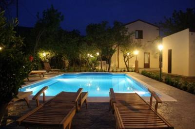 Swimming pool Location Villa 62199 Cefal�