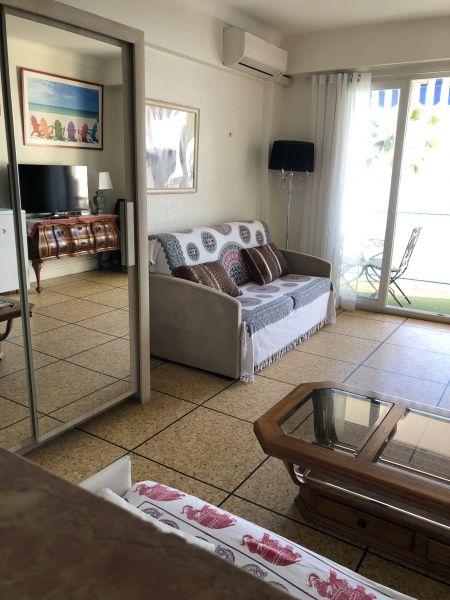 Living room Location One-room apartment 62424 Juan les Pins