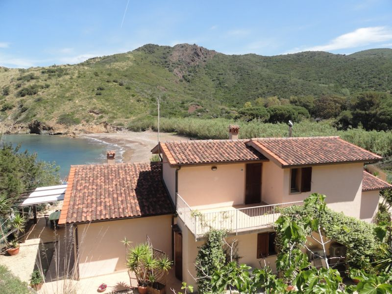 View of the property from outside Location Apartment 62556 Rio nell'Elba