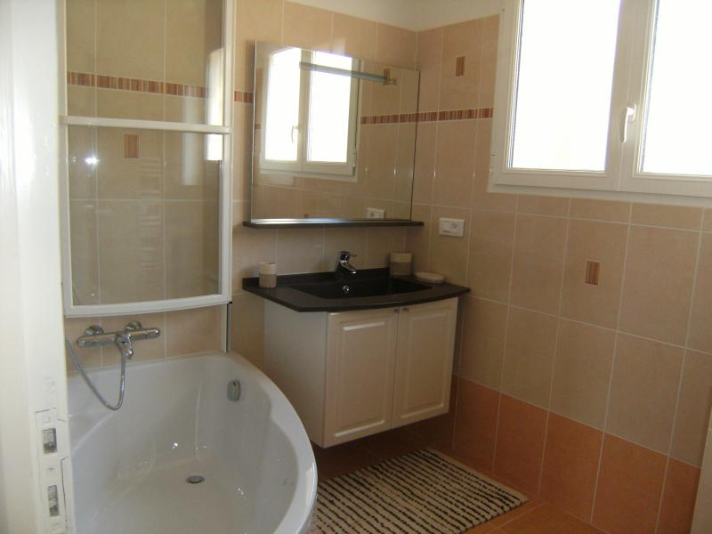 bathroom Location Villa 62665 Saint Raphael