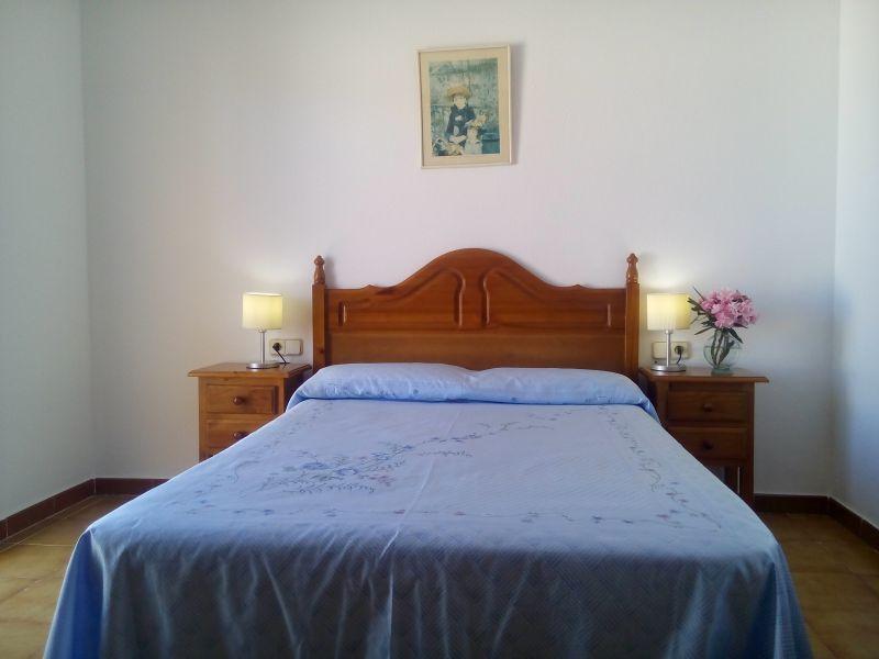 bedroom 1 Location Villa 63018 L'ampolla