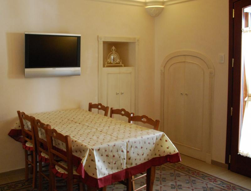 Dining room Location Apartment 63427 Polignano a Mare