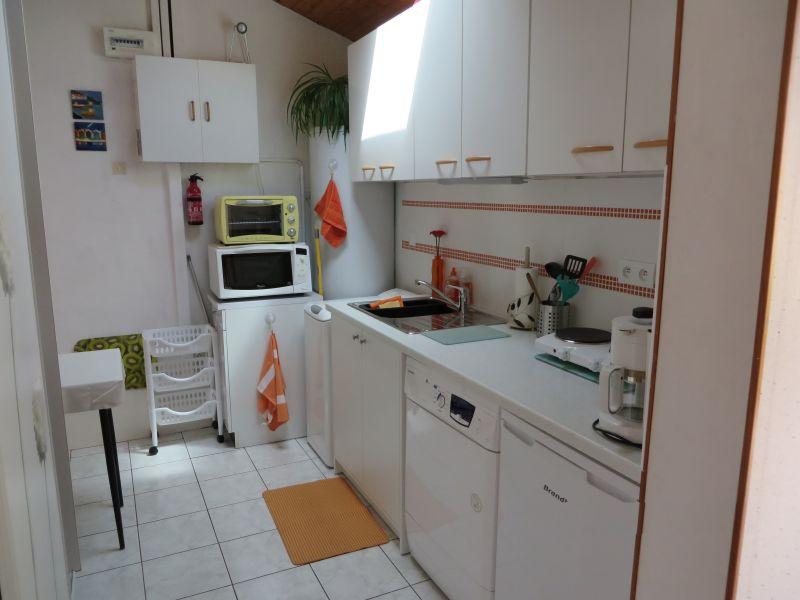 Separate kitchen Location Apartment 6609 Arcachon