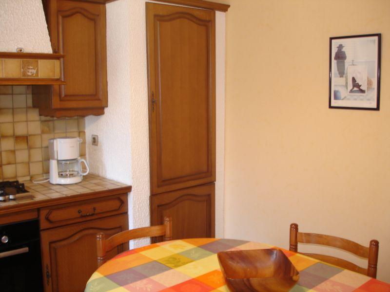 Separate kitchen Location Villa 6722 Lacanau