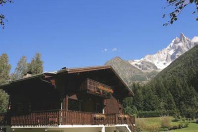 View of the property from outside Location Chalet 682 Chamonix Mont-Blanc