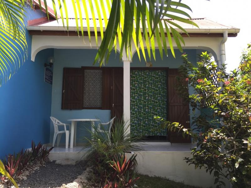 View of the property from outside Location Bungalow 8003 Gosier (Guadeloupe)