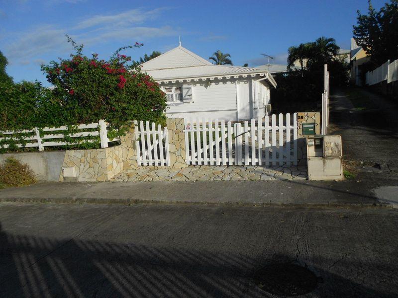Hall Location Villa 8123 Sainte Anne (Martinique)