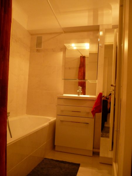 bathroom Location Apartment 8341 Nice