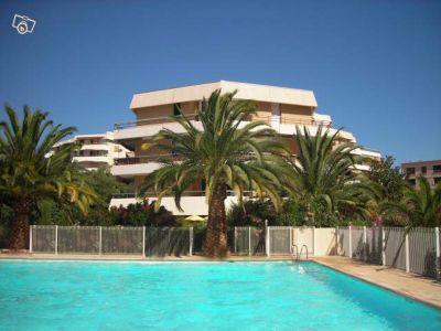 Swimming pool Location One-room apartment 8501 Saint Raphael