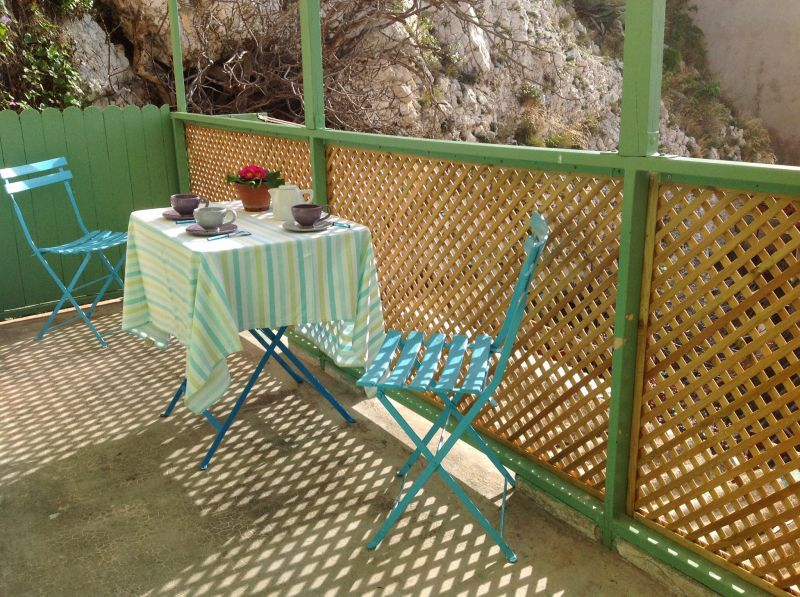 Terrace Location Apartment 101676 Marseille
