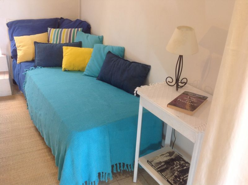 bedroom 2 Location Apartment 101676 Marseille
